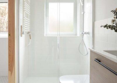 Reforma integral de chalet en Pozuelo baño de invitados